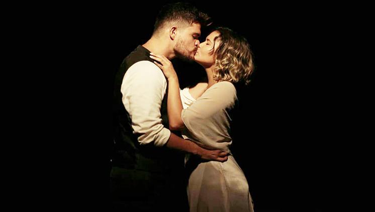 """Alunos da Escola de Teatro e Dança apresentam """"Um bonde chamado Desejo"""""""