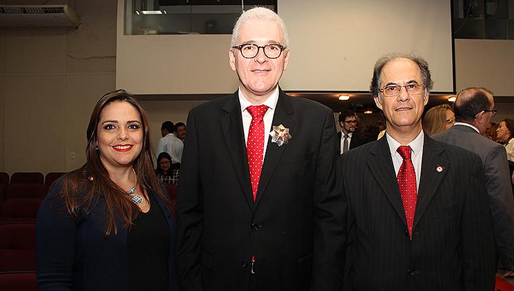 Reitor da UFPA e Faculdade de Direito são homenageados pelo TRT-8ª Região