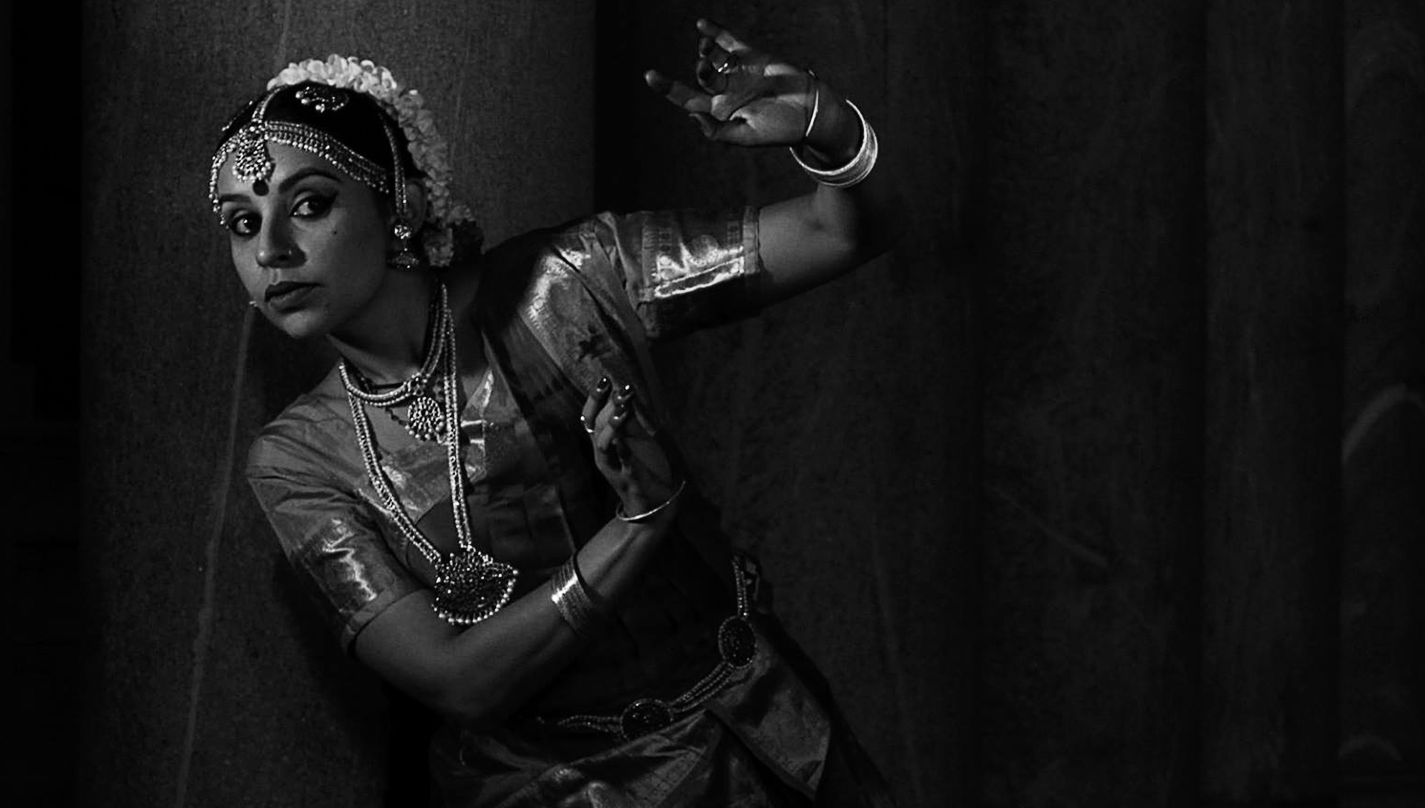 Grupo de pesquisa promove espetáculo de dança clássica indiana