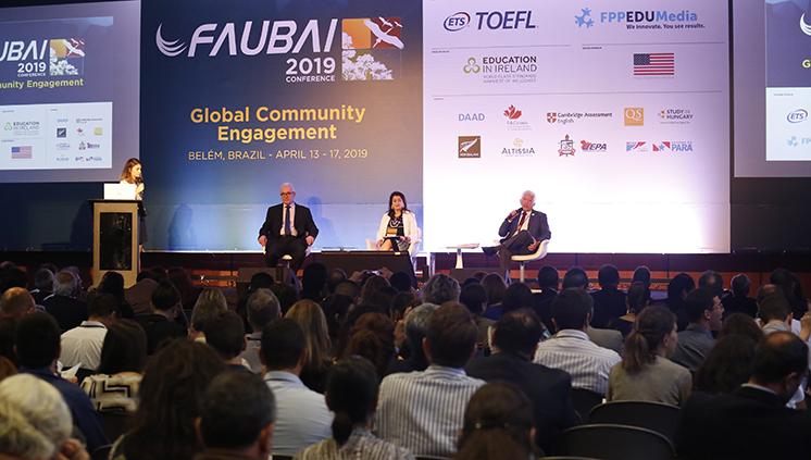 Congresso discute a internacionalização da educação superior no Brasil