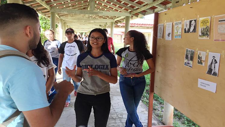 Estudantes de Ciências Biológicas promovem Feira dos Naturalistas