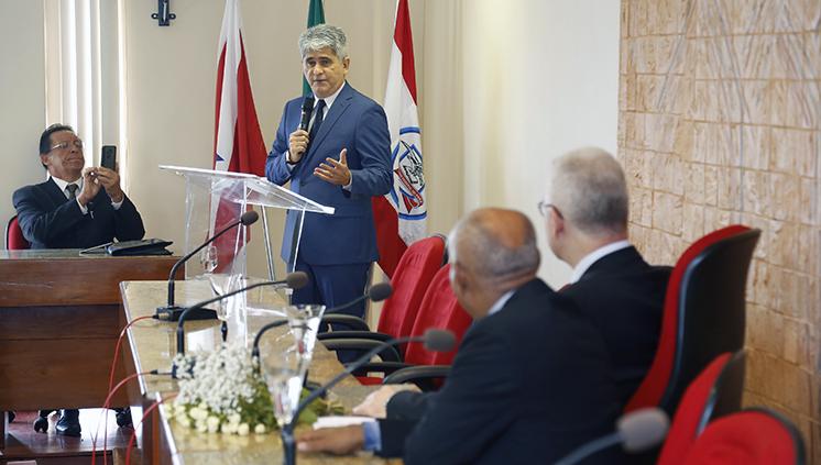 Cerimônia na UFPA homenageia ex-reitor Carlos Maneschy