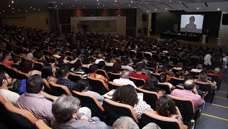 """Autoridades acadêmicas participam de debate sobre o programa """"Future-se"""""""