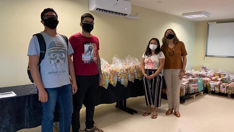 Grupos e setores da universidade fazem doações coletivas para a Campanha UFPA contra a fome