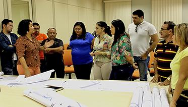 INTERCÂMBIO Coordenação do Projeto Moradia Cidadã com os representantes dos seis municípios