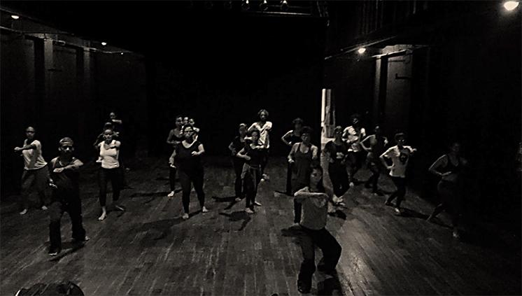 Escola de Teatro e Dança promove oficina de adaptação, com práticas introdutórias das artes meditativas e marciais